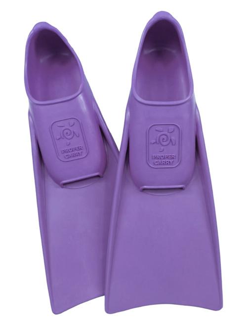 Ласты Proper Carry пахнут ванилью, легко надеваются и не раздражают кожу малыша.